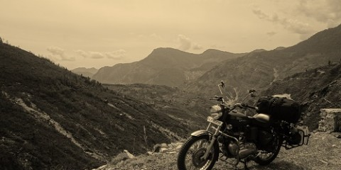 Crossing the India-Nepal Border by Motorbike